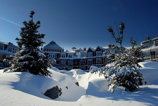 Red Leaves apart-hotel in the snow, Lake Rosseau, Muskoka