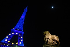 EU-eiffel-towers