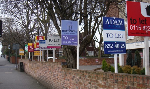 properties-for-sale-with-forsale-board