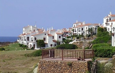 Menorca-houses-by-the-sea