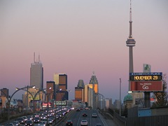 sunset-in-toronto-canada