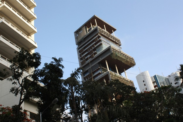 antilla-mumbai-completed-june-2010-closeup-photo